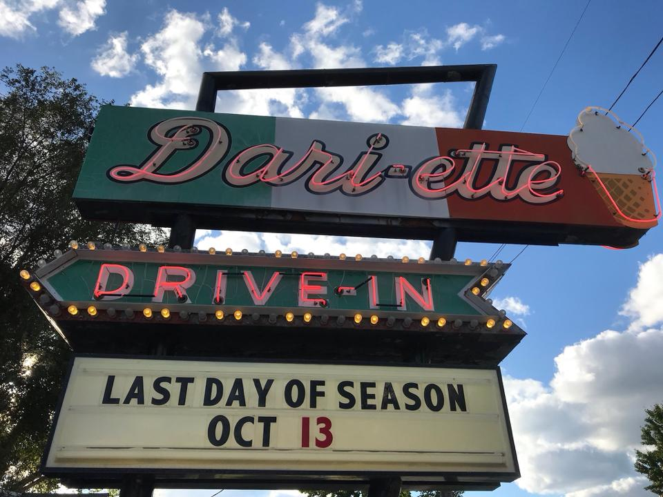 Top-Rated-Food-Network-Show-Diners-Drive-Ins-and-Dives-Boost-Restaurant-Sales-Year-Over-Year