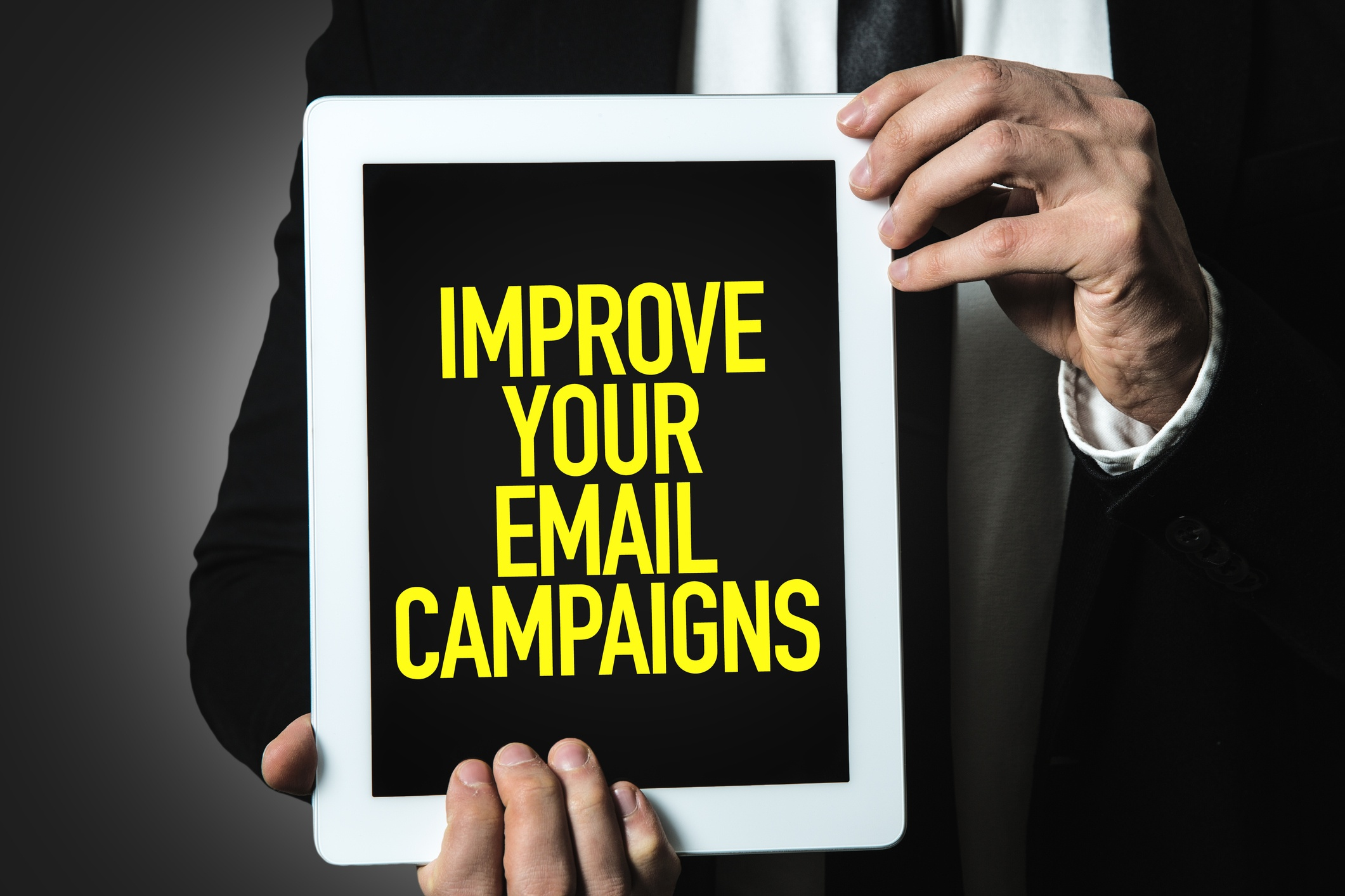 10-best-restaurant-email-marketing-tips-that-convince-and-convert.jpg