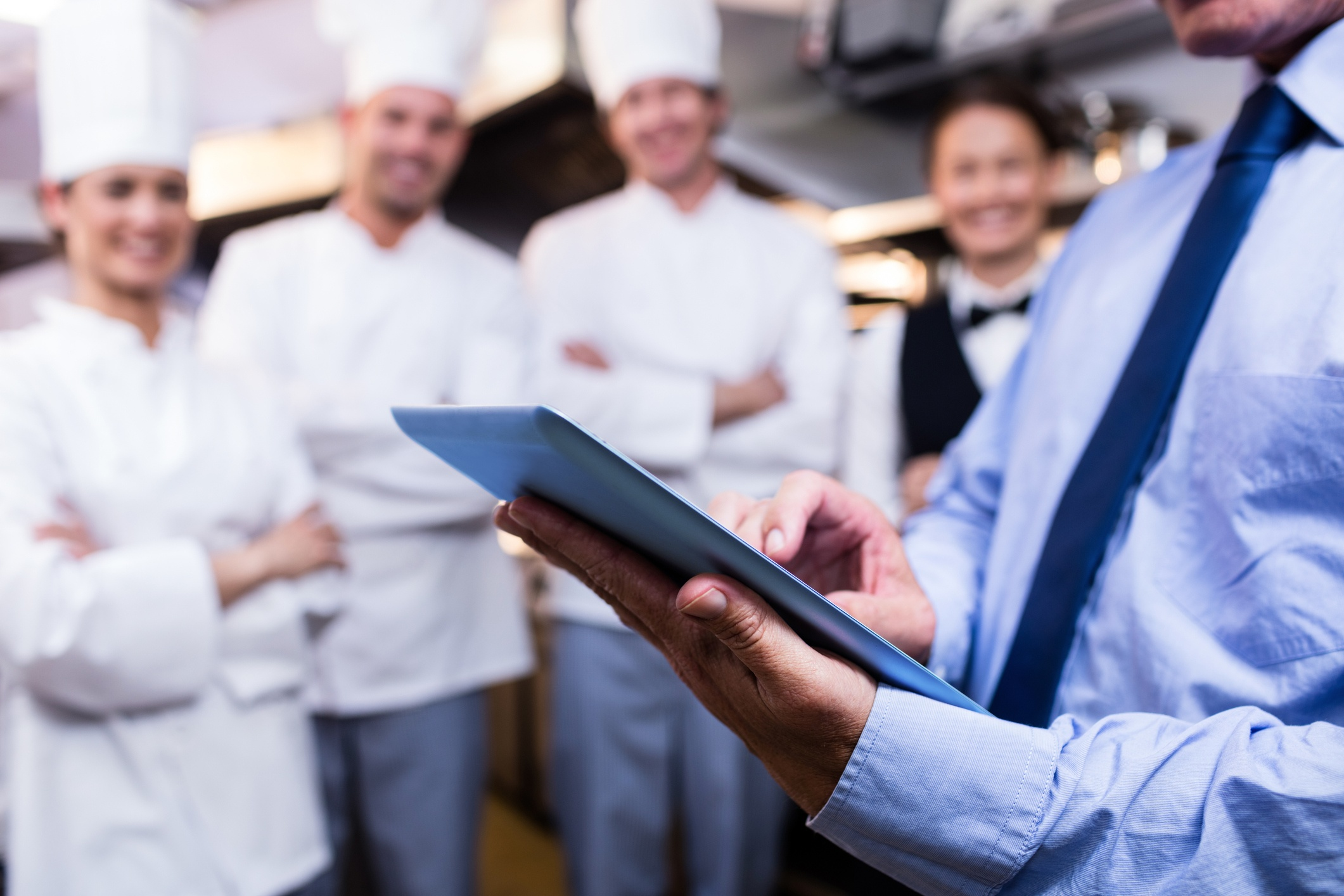 8-biggest-challenges-of-a-restaurant-manager-and-how-to-overcome-them