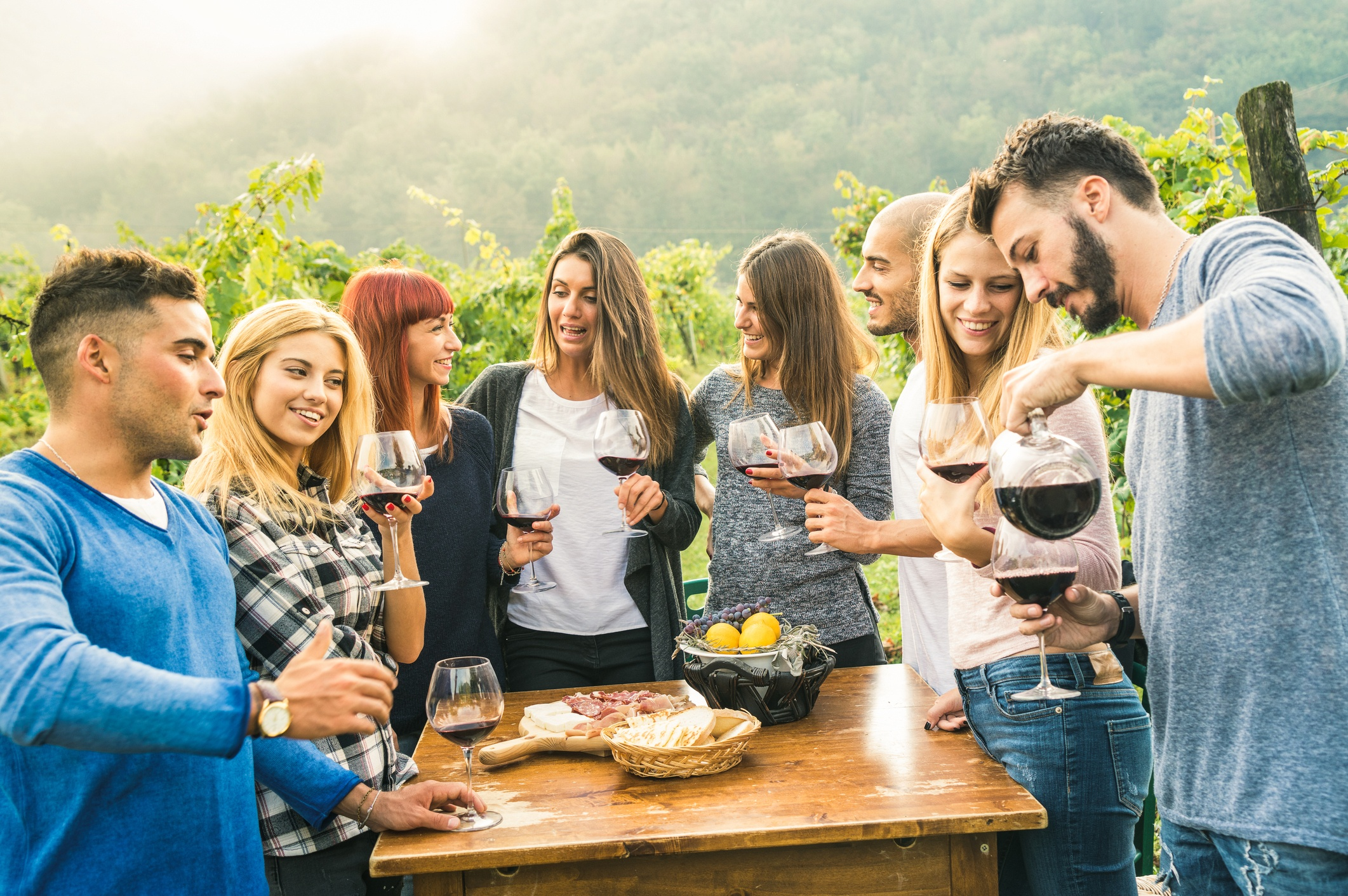 how-to-attract-millennials-to-your-winery-using-social-media